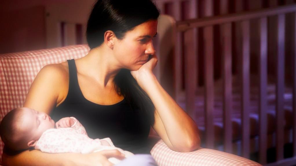 La depressione post partum: quando la maternità non viaggia di pari passo con la felicità.